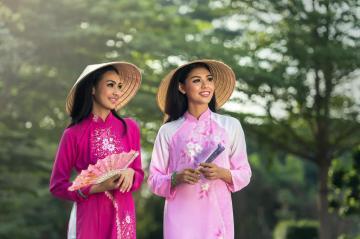 越南美女田园写真高清壁纸图片-好运图库