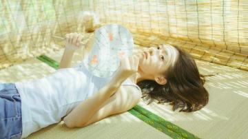 清纯白皙美女小清新居家写真,高清壁纸图片,大陆美女-好运图库