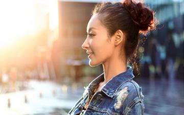 朱红青春写真雨中漫步,高清壁纸图片,大陆美女-好运图库