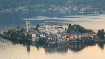 意大利北部梦幻之旅:奥尔塔湖,高清壁纸图片,名胜古迹-好运图库