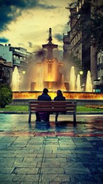 恋人在台式喷泉浪漫,锁屏图片,高清手机壁纸,另类-好运图库