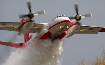 烟雾与飞机-好运图库