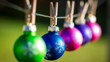 彩色圣诞球挂饰-好运图库