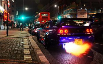 夜晚城市建筑道路与汽车-好运图库
